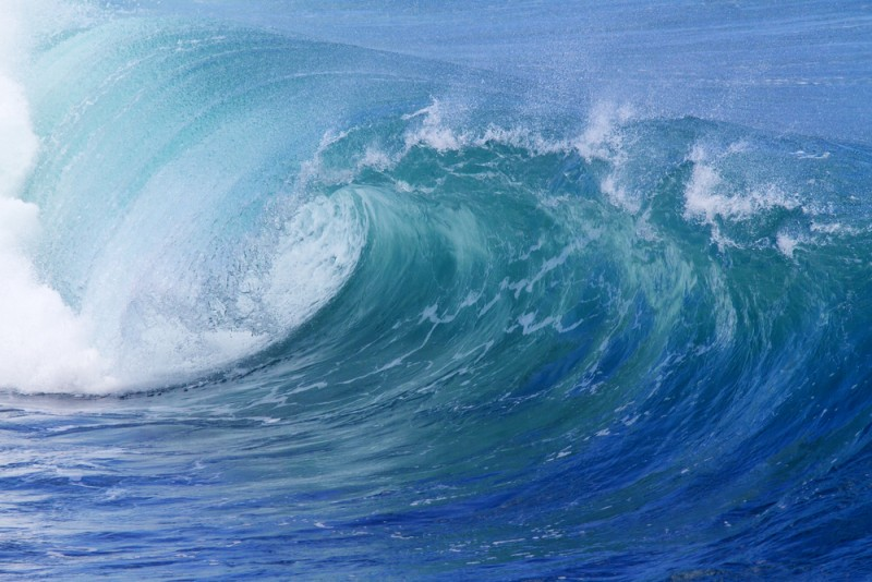 Image of tsunami to illustrate the huge amount of content that lives online.